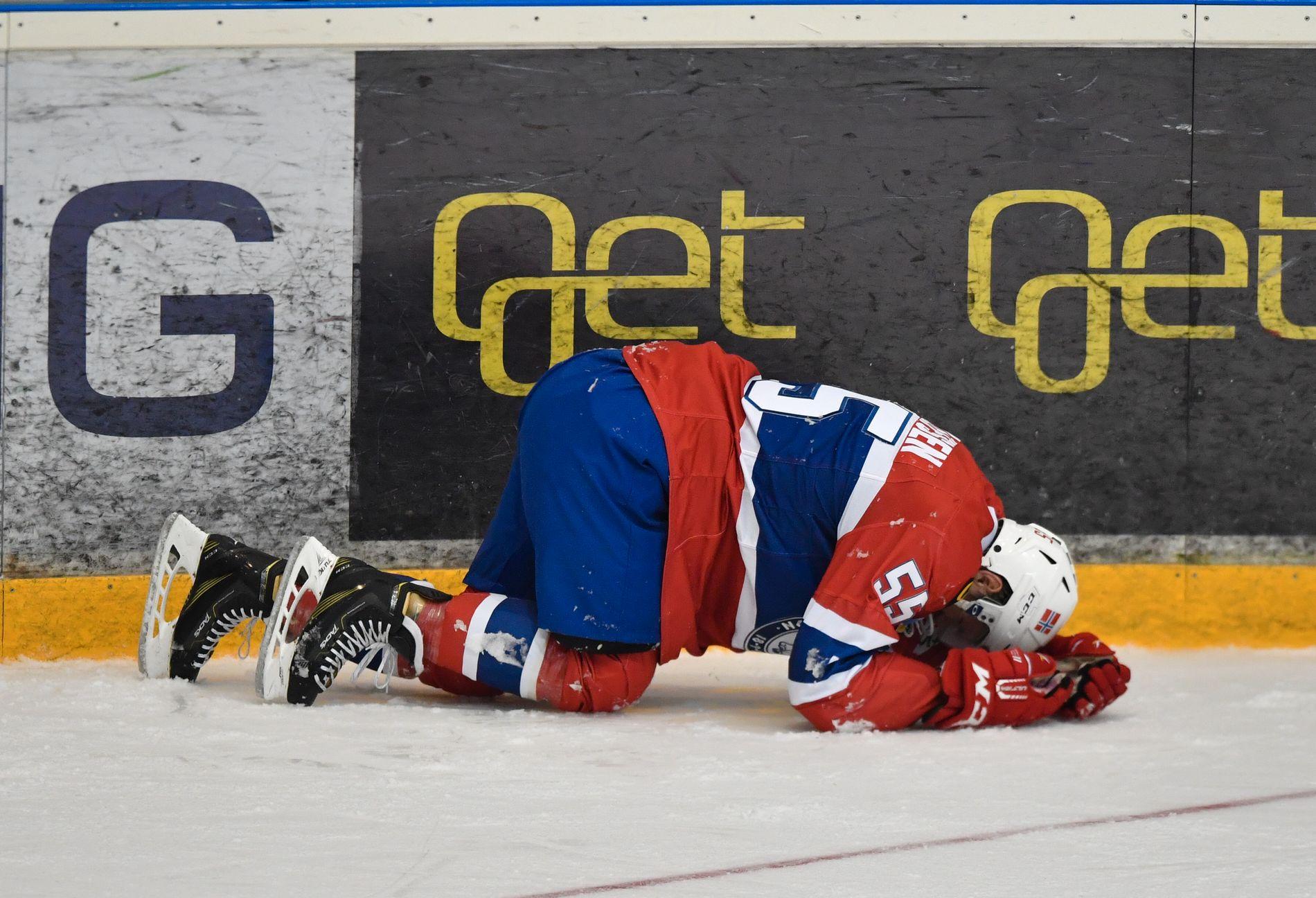 Hockey Tollefsen vil blø mer for drakta – VG