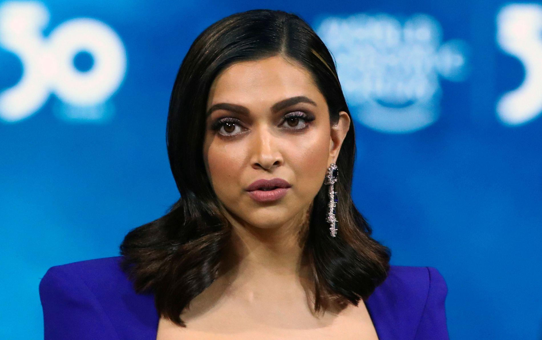 Filmstjernen  Deepika  Padukone  avhørt  etter  Bollywood-dødsfall
