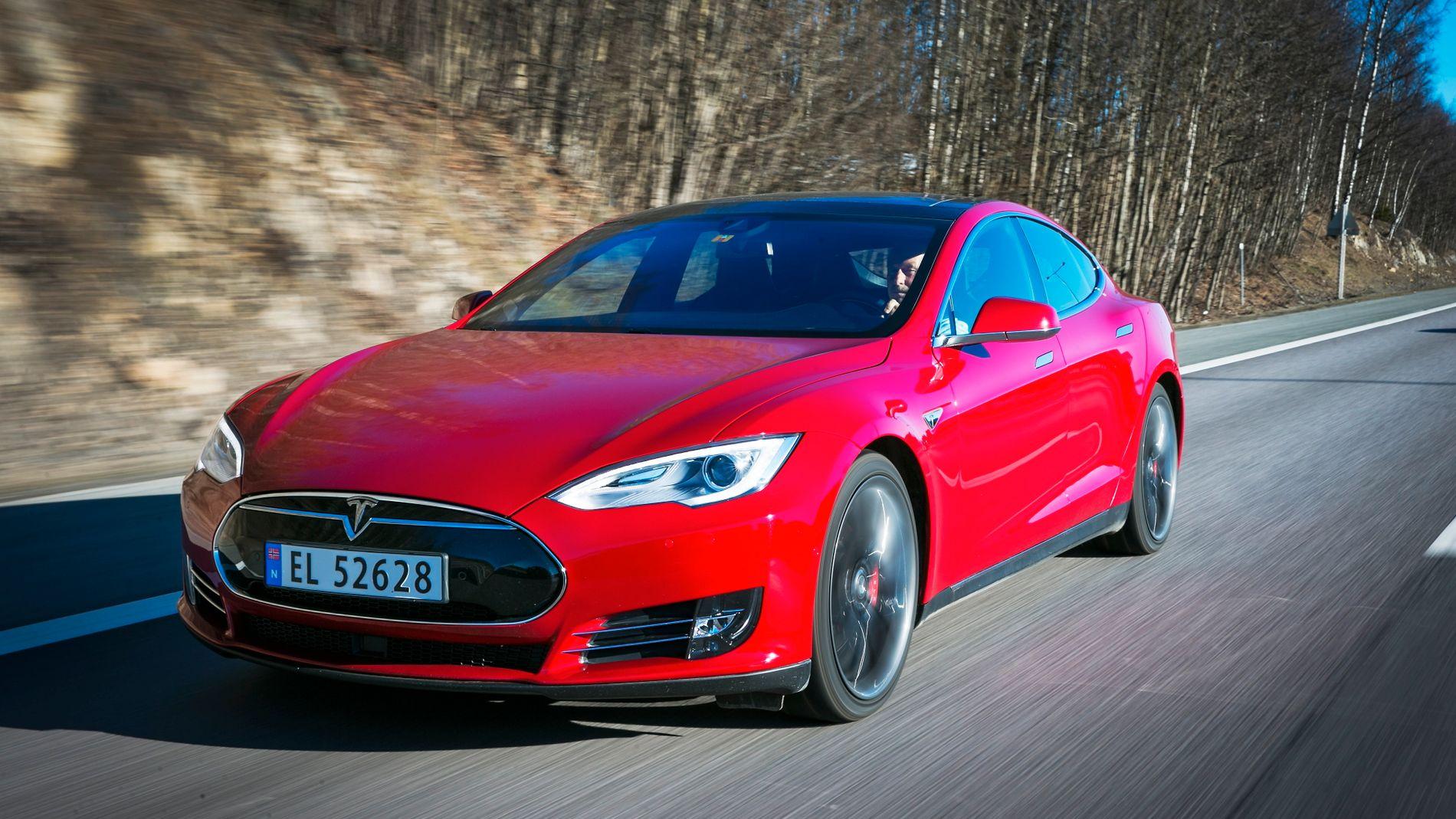 Tesla ble solgt med 700 hk – men bilen har kun 469 hk – VG