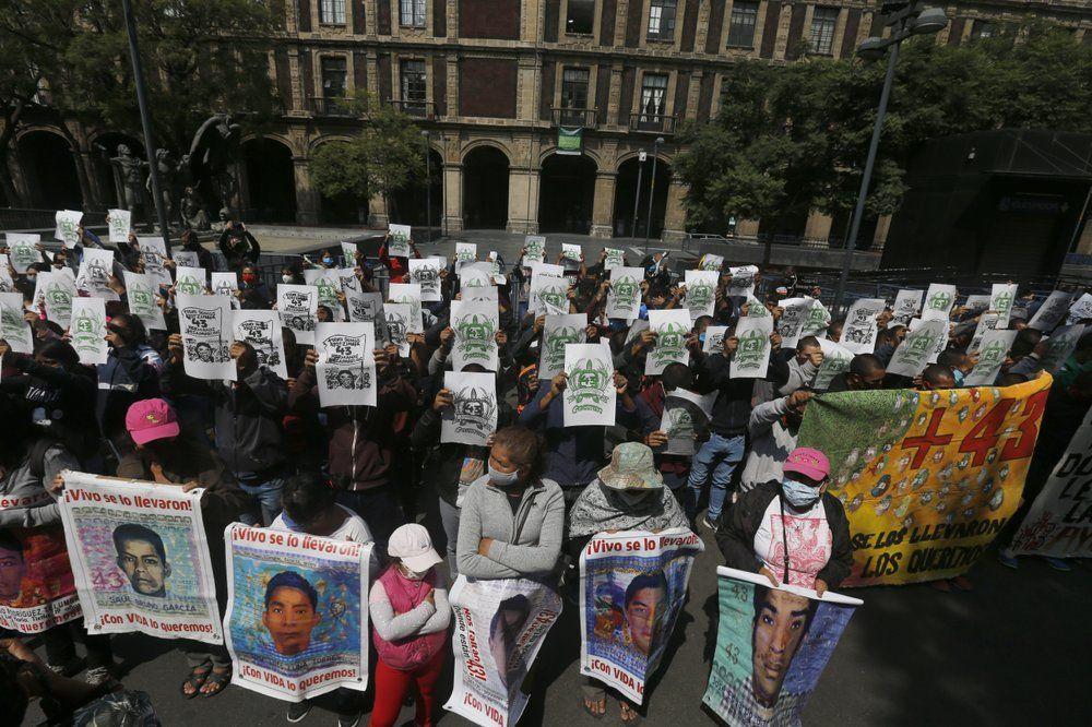 Militærpersonell  mistenkt  for  å  stå  bak  studentforsvinningene  i  Mexico