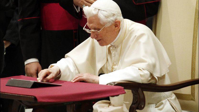Paven på Twitter: Pagina publica breviloquentis