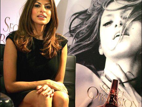 Puppeglipp for Eva Mendes - Hollywood - VG